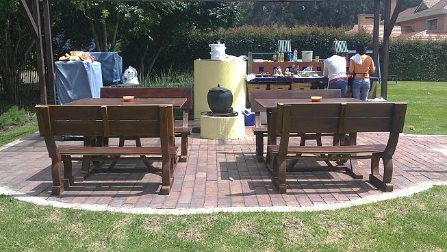 Juegos de mesa y sillas plasticos for Carpas jardin carrefour