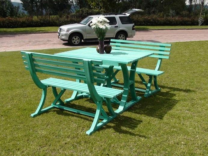 Mesa y sillas para exteriores pl sticos con parasoles for Mesa y sillas jardin segunda mano
