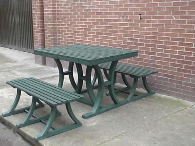 17 mesa y sillas para exteriores pl sticos con parasoles for Falabella muebles jardin