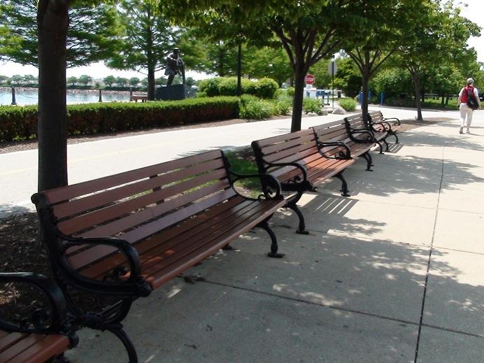 Mesa y sillas para exteriores pl sticos con parasoles - Mesas y sillas de forja ...