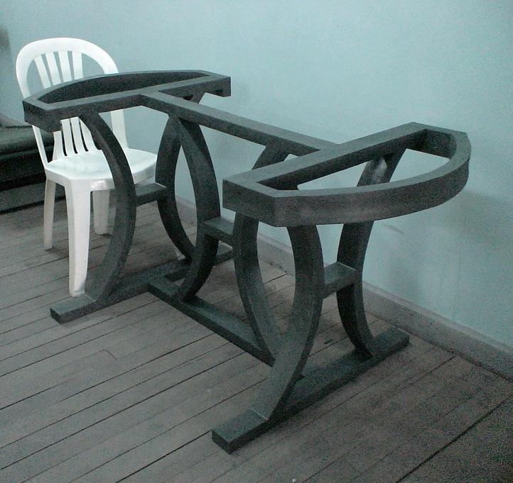 Carpinter a ebanister a con maderas pl sticas wpc for Patas de forja para mesas